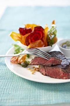 Recette de Steak au gingembre, chips de betterave